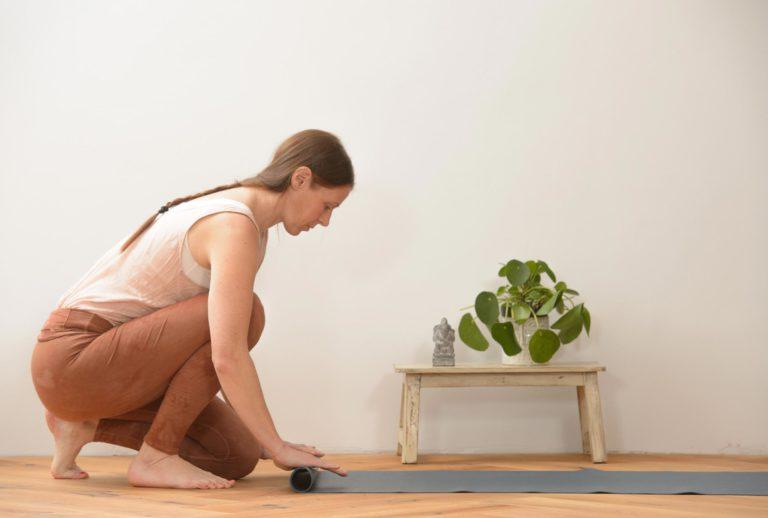Cocoonyoga Yogamatte einrollen
